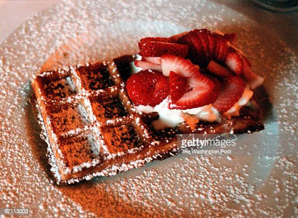 Le Mannequin Pis Olney MarylandPHOTOGRAPHERMARVIN JOSEPH/TWPCAPTION Restaurant review of Le Mannequin Pis PICTURED the dessert Belgium waffles...