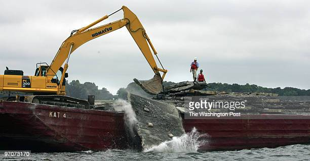 August 23, 2007 CREDIT: Mark Gail/ TWP Solomons, Md. ASSIGNMENT#: 193541 EDITED: mg Woodrow Wilson bridge project environmental manager Michael Baker...