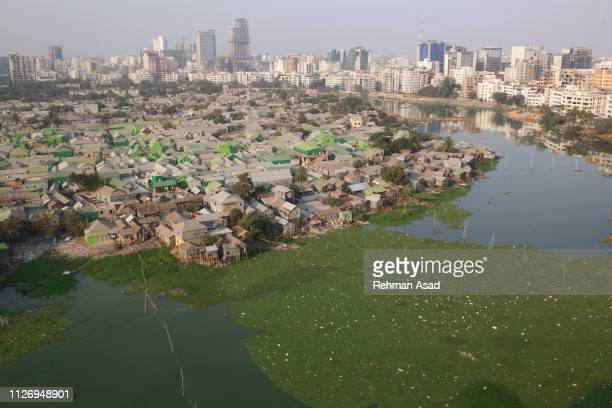 slum in dhaka - indian slums stock pictures, royalty-free photos & images