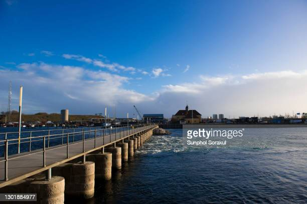 slusen in the south harbour of copenhagen - oresund region stock pictures, royalty-free photos & images