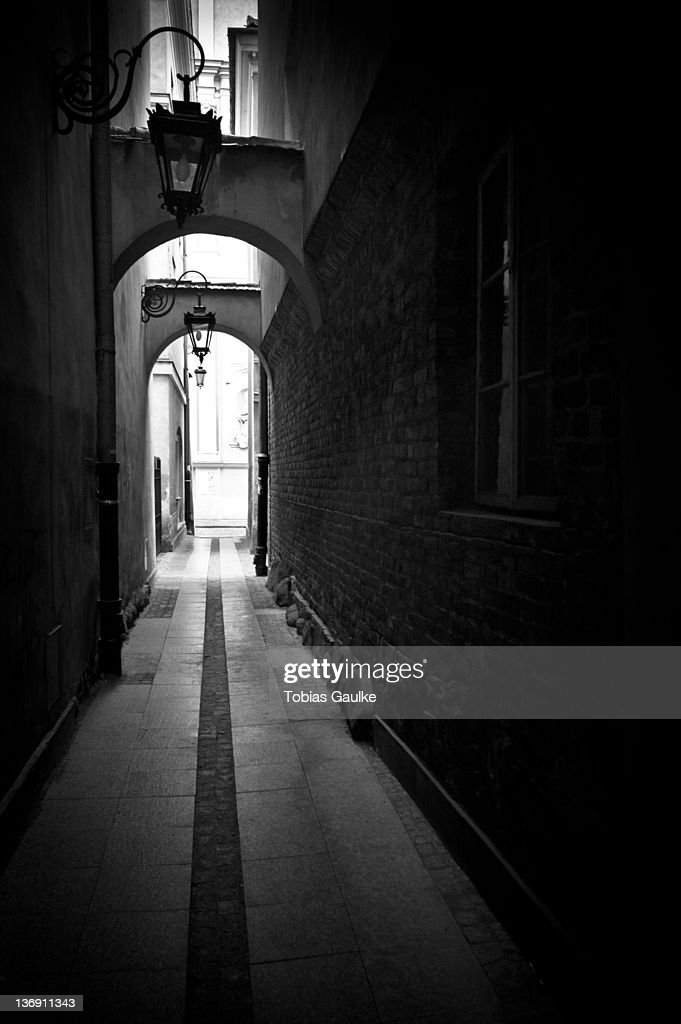 Small alley in Warsaw : Stock-Foto