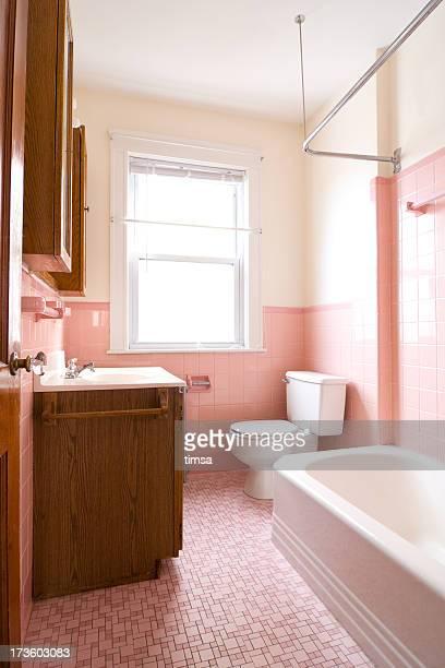 Piccolo e antico del bagno