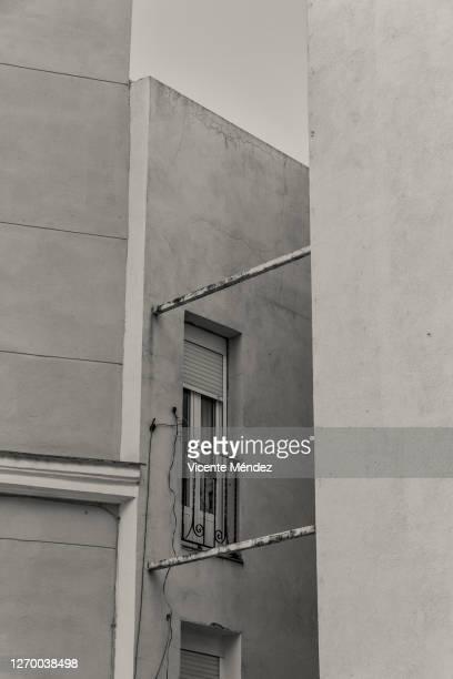 small balconies - vicente méndez fotografías e imágenes de stock