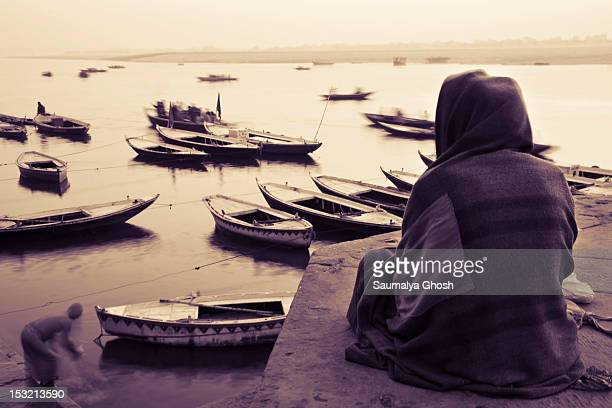 small boats in ganges river - saumalya ghosh stock pictures, royalty-free photos & images