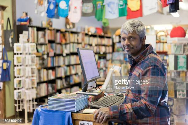 small business book shop owner - store opening stock pictures, royalty-free photos & images