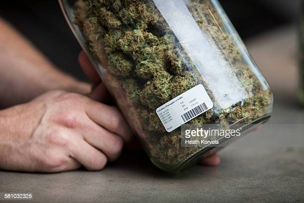 small business marijuana dispensary in oregon. - weed stock photos and pictures