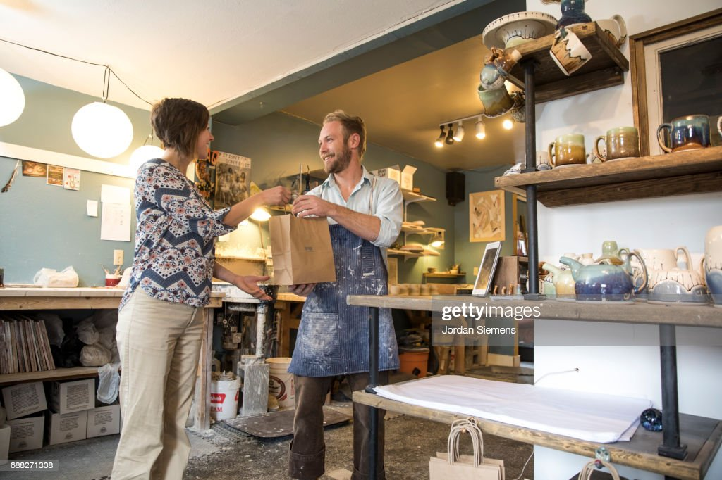 a small business owner ストックフォト getty images