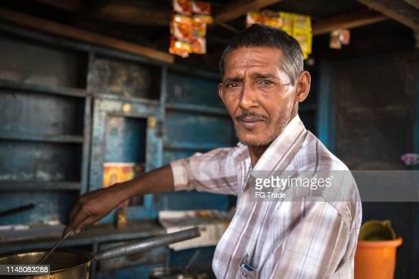 small business street säljaren indiska ägare - hinduism bildbanksfoton och bilder