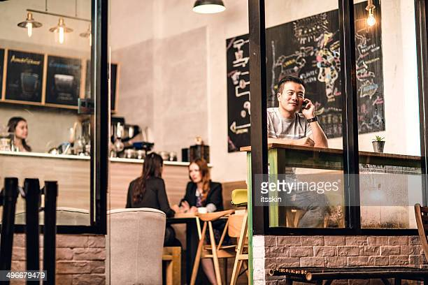 small cafe business owner in hong kong - store opening stock pictures, royalty-free photos & images