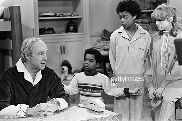 RENT STROKES Small Claims Court Episode 3 Pictured Conrad Bain as Philip Drummond Gary Coleman as Arnold Jackson Todd Bridges as Willis Jackson Dana...