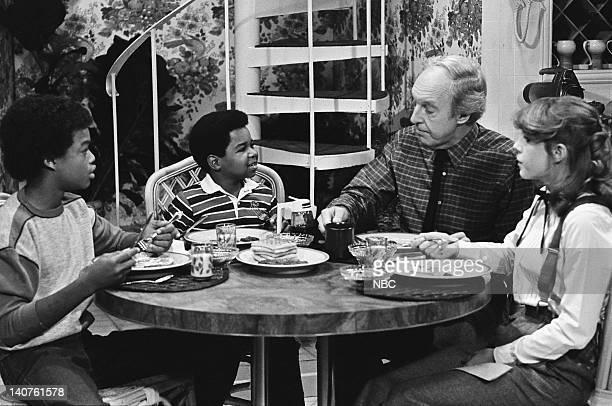 RENT STROKES Small Claims Court Episode 3 Pictured Todd Bridges as Willis Jackson Gary Coleman as Arnold Jackson Conrad Bain as Philip Drummond Dana...