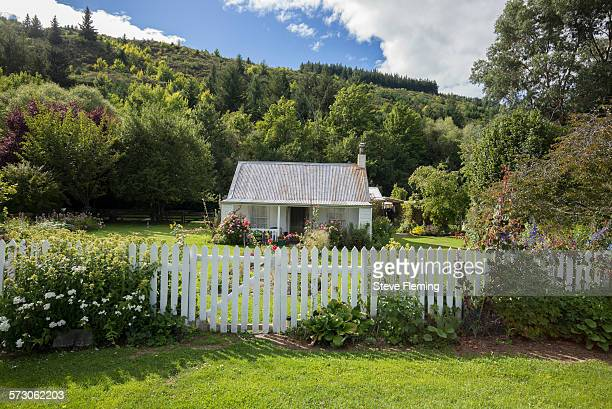 small cottage close to arrowtown - arrowtown stock pictures, royalty-free photos & images