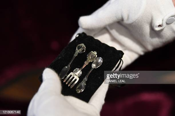 A small cutlery set found inside the original hardshell case of the guitar used by musician Kurt Cobain during Nirvana's famous MTV Unplugged in New...
