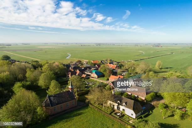small dutch historical village called rottum seen from above - cultura holandesa - fotografias e filmes do acervo