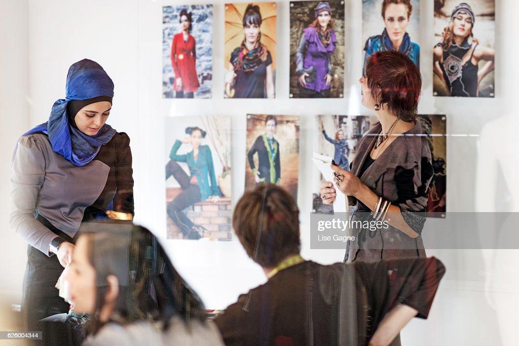 Small Fashion Business Meeting : Foto de stock