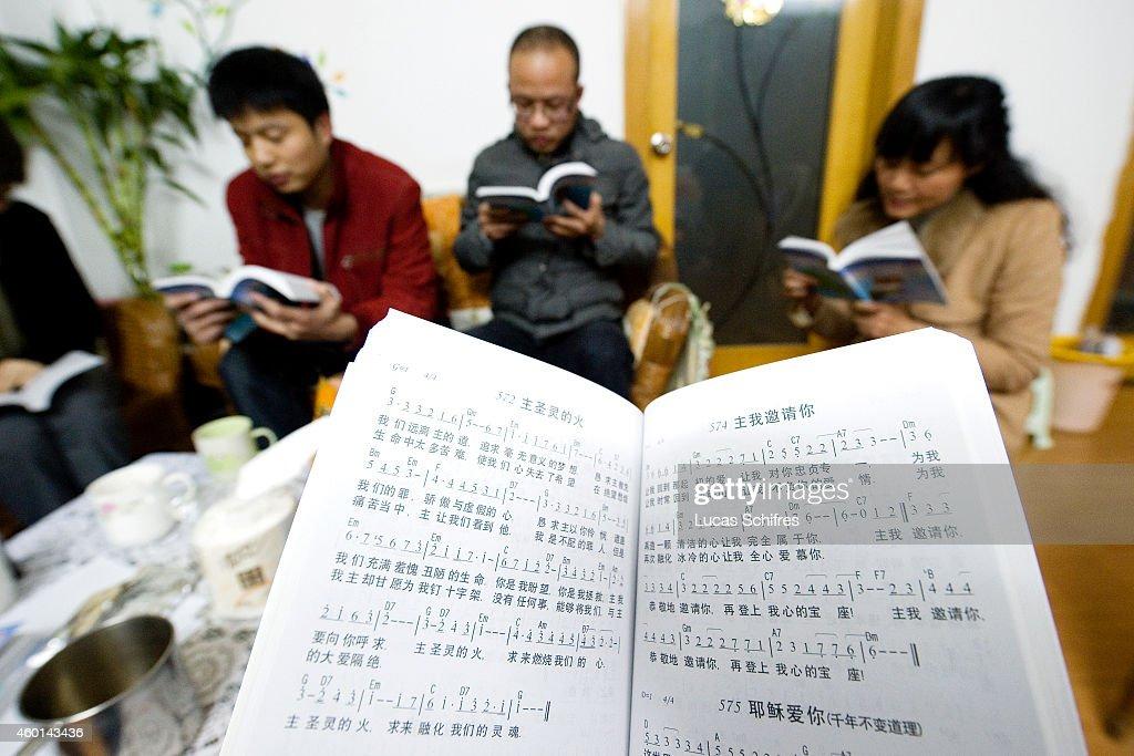 Underground Christians in China : News Photo