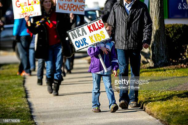 CONTENT] A small group of demonstrators picketed outside the eighth annual East Coast Fine Arms Show held at the Stamford Plaza Hotel in Stamford...