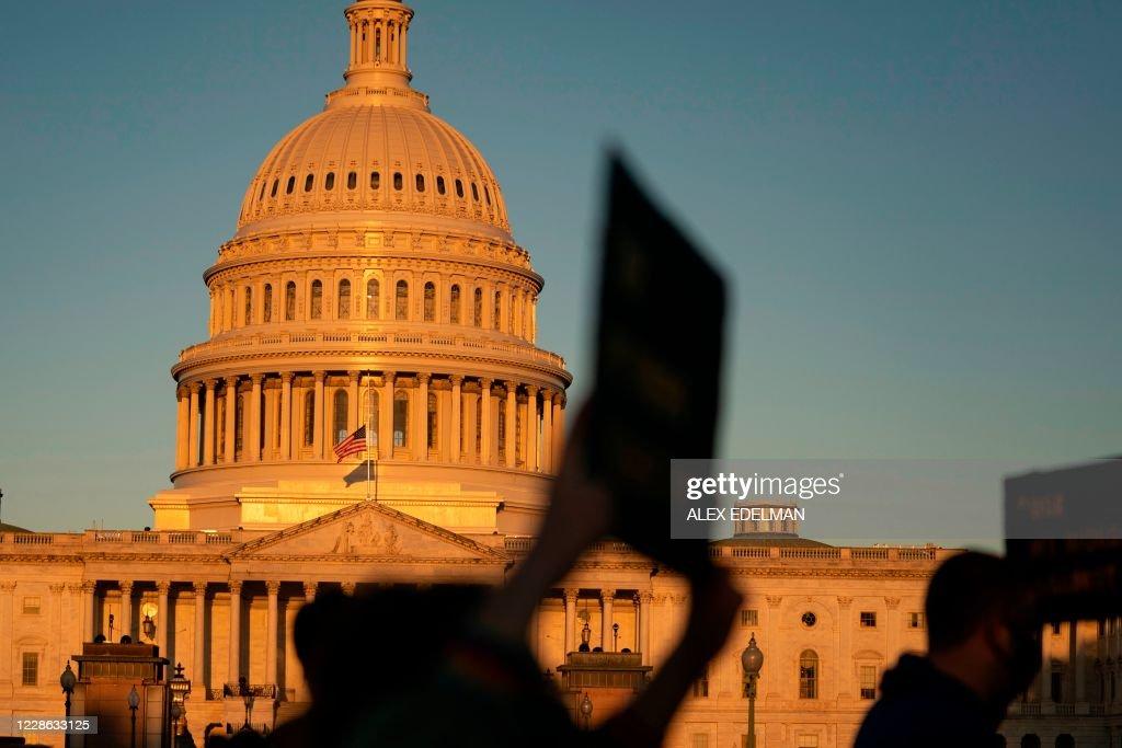 US-POLITICS-JUSTICE-COURT : News Photo