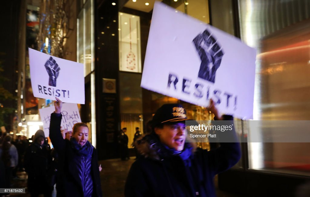 Protests Mark One Year Since Trump Was Elected President : Nieuwsfoto's