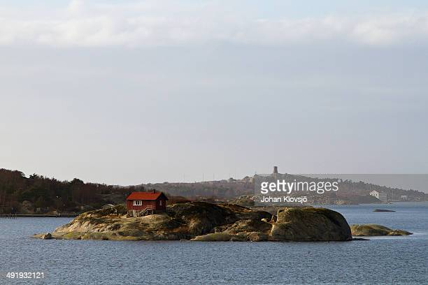small house on small island - västra götaland county stock pictures, royalty-free photos & images