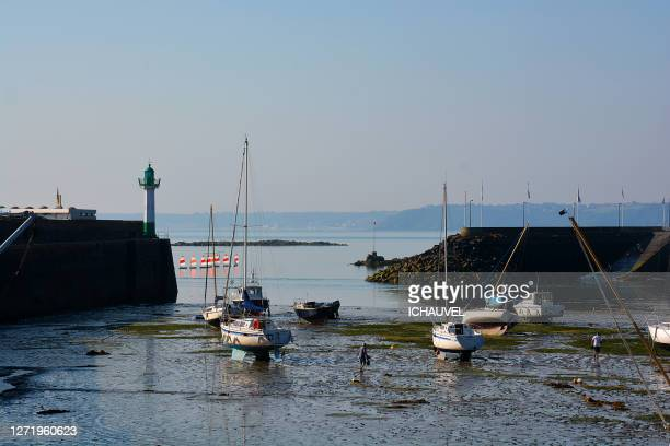 small port in brittany france - quayside stock pictures, royalty-free photos & images