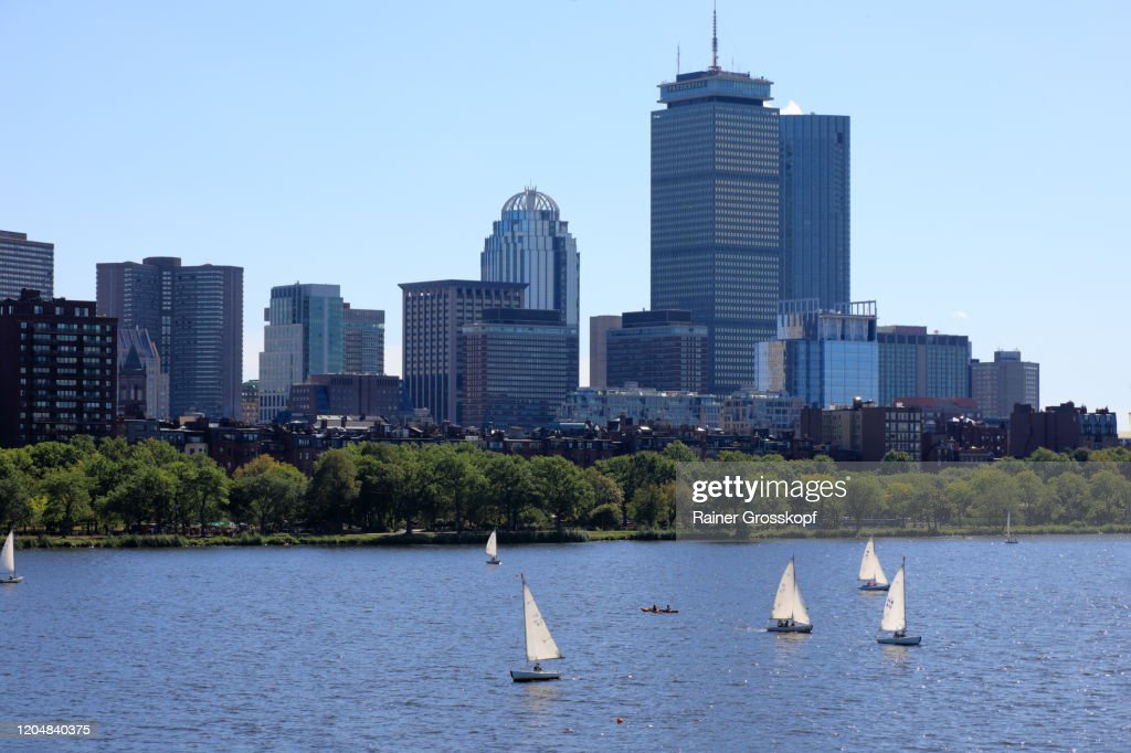 Small sailboats on Charles River with 200 Clarendon, former John Hancock Tower and other skyscrapers in background : Stock-Foto