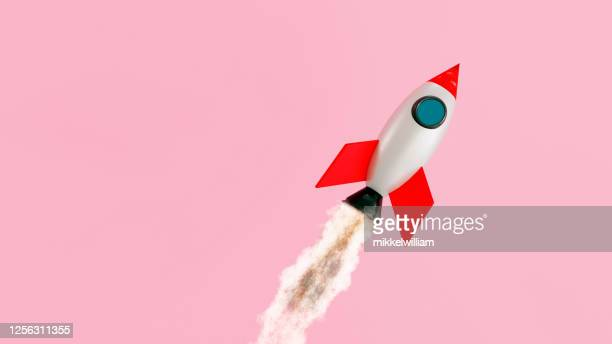 small space ship flys like a rocket through the air - launch event stock pictures, royalty-free photos & images