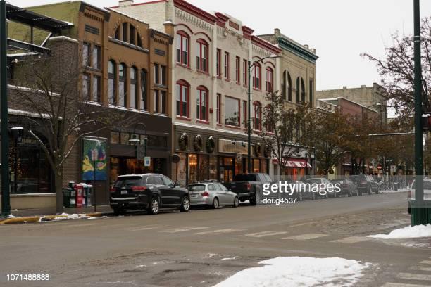 pequeña ciudad américa - traverse city fotografías e imágenes de stock