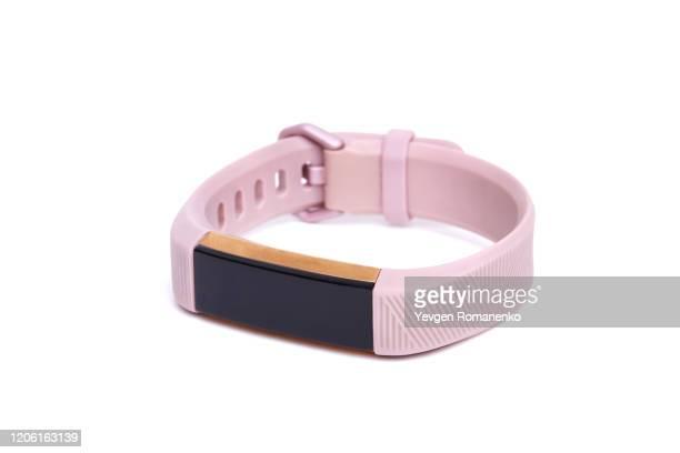 smart activity tracker watch isolated on white background - pulsera fotografías e imágenes de stock