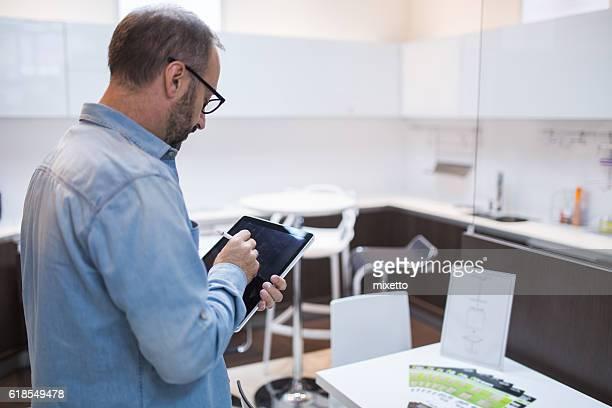 Smart Domotique dans la cuisine avec tablette et applications