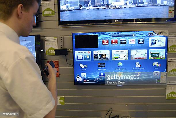 Smart Tv withe internety browser from Samsung and LG displace at local Pc andRadio and TV store today 11 April 2012