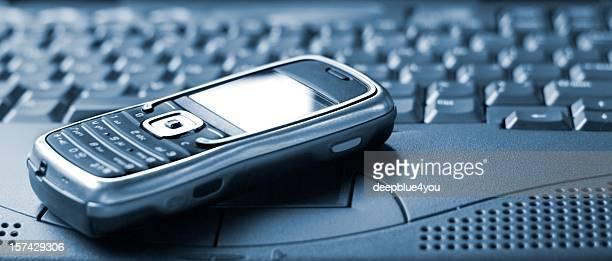ラップトップスマートフォンで