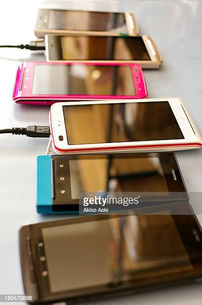 smartphones - 数個の物 ストックフォトと画像