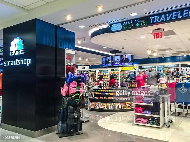 cnbc smartshop at atlanta airport, usa - hartsfield jackson atlanta international airport stock pictures, royalty-free photos & images