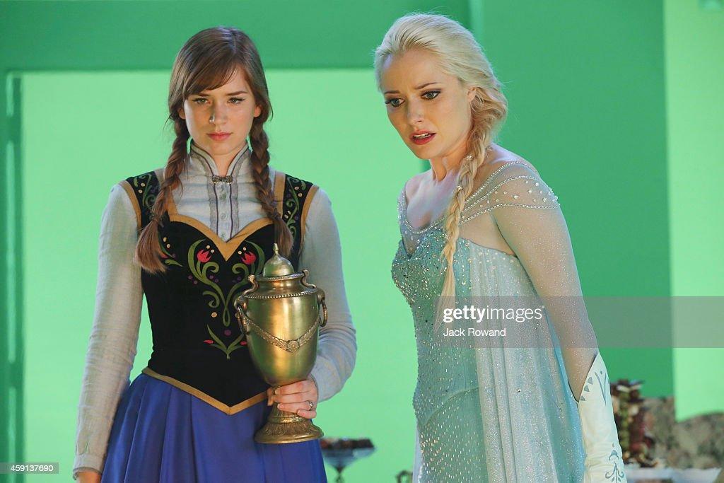 """ABC's """"Once Upon a Time"""" - Season Four : Nachrichtenfoto"""