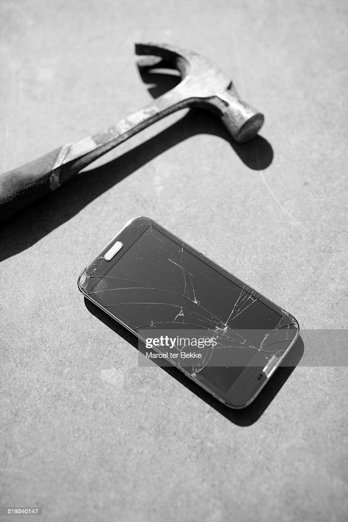 Smashed phone : ストックフォト