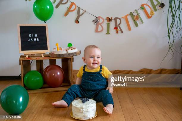 35 1st Birthday Signs Photos And Premium High Res Pictures Getty Images