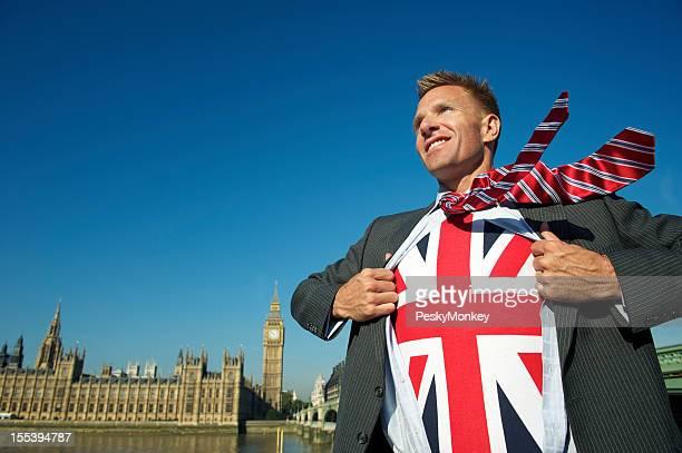 Sorridente Empresário em Londres revela Patriótica Super-Herói