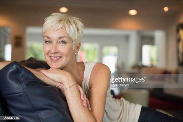 smiling caucasian woman - short hair stock pictures, royalty-free photos & images