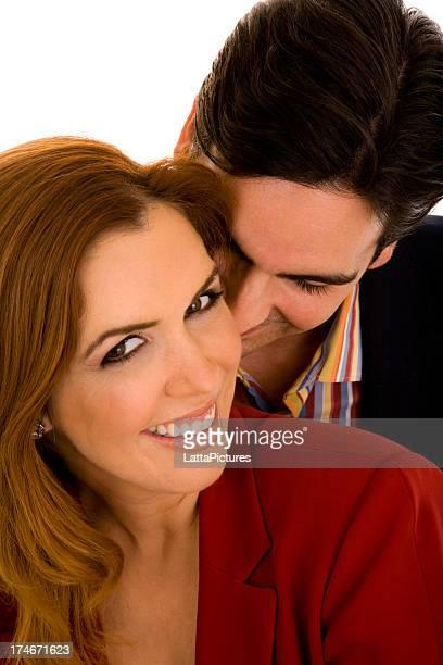 coppia sorridente, uomo sta dando bacio a femmina - ammirazione foto e immagini stock