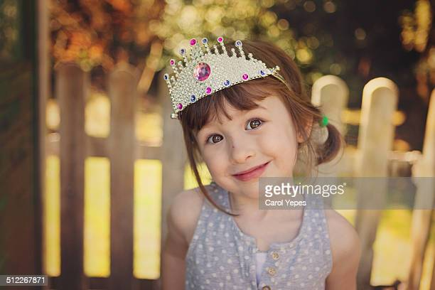 smiling cute princess girl - prinzessin stock-fotos und bilder