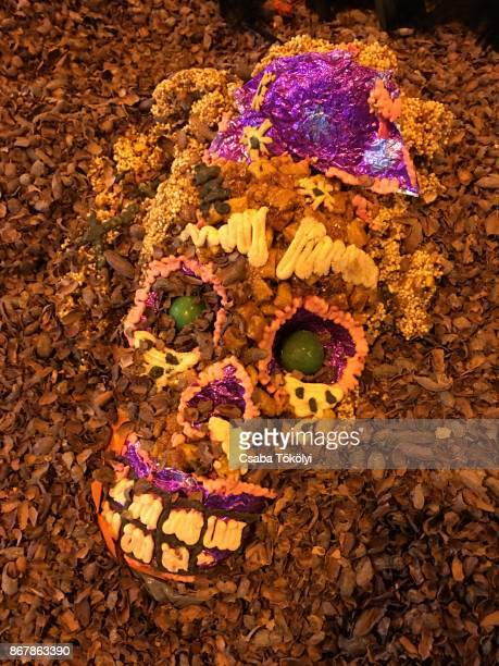 Smiling Dia De Los Muertos skull