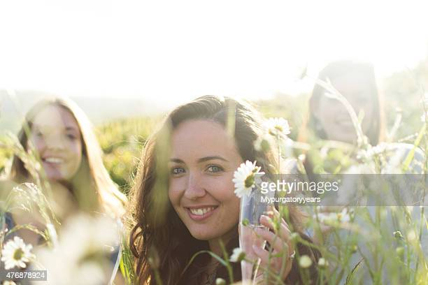 smiling friends - prosecco stock pictures, royalty-free photos & images