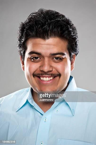 ヒスパニック系笑う若い男性(real 名様) - 南ヨーロッパ民族 ストックフォトと画像