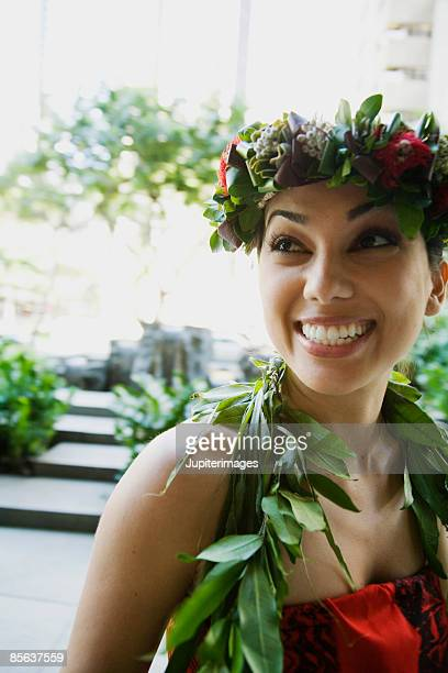 smiling hula dancer in hawaii - media_in_honolulu,_hawaii stock pictures, royalty-free photos & images