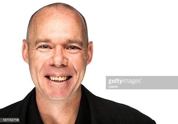 Sorridente uomo irlandese ritratto su bianco