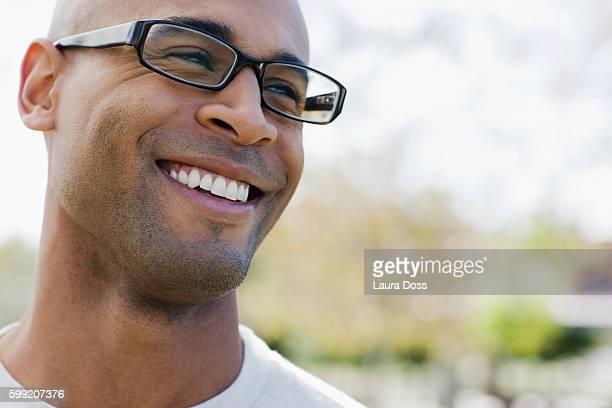 smiling man - laura belli foto e immagini stock