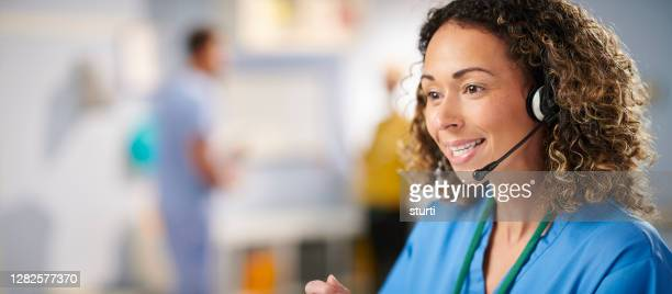 smiling medical customer service rep - assistance stock pictures, royalty-free photos & images