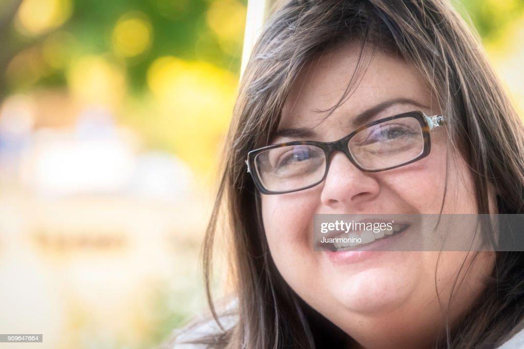 Lächelnde Frau mittleren Alters : Stock-Foto