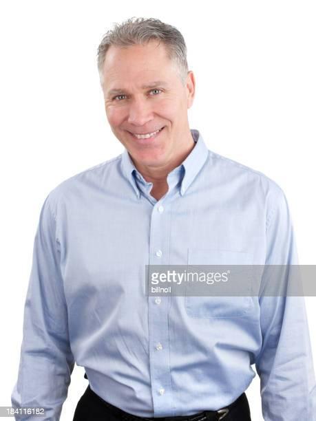 Moyen age homme souriant en chemise bleue